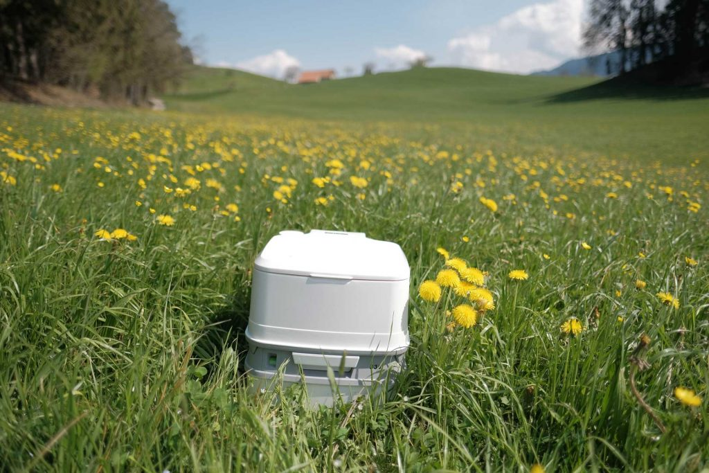 Camping toilet for use in overlanding, car camping and rvs